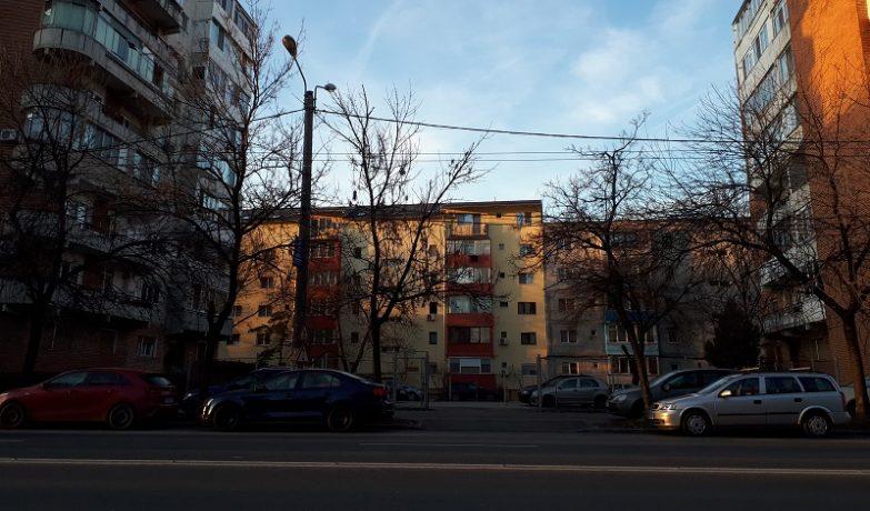 Construirea unui bloc în locul unei parcări va provoca haos pe un mare bulevard din Timișoara