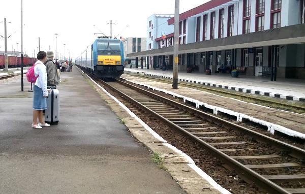 De la Timișoara la Caransebeș, cu trenul, în mai puțin de o oră