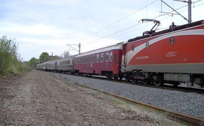 Traficul feroviar este oprit temporar între stațiile Șagu și Vinga, șase trenuri așteaptă